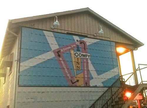 comfy inn mural 2