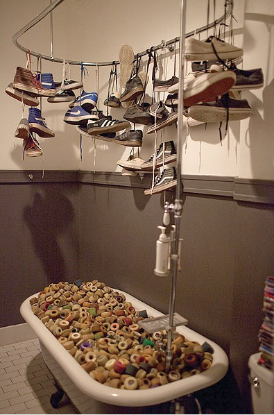 Shoe Art Shower Minh Tran