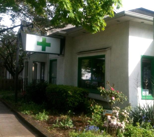 white house green cross (1)