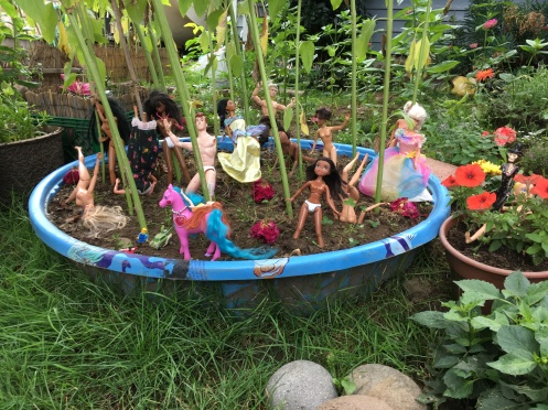 The crazy, wild, dirt pool party scene rages in Kenton.